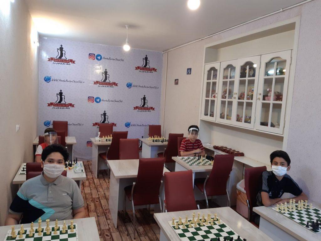 کلاس آموزش شطرنج متوسطه بالای 8 سال